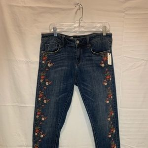 NWT ANTHRO EMBROIDERED JEANS